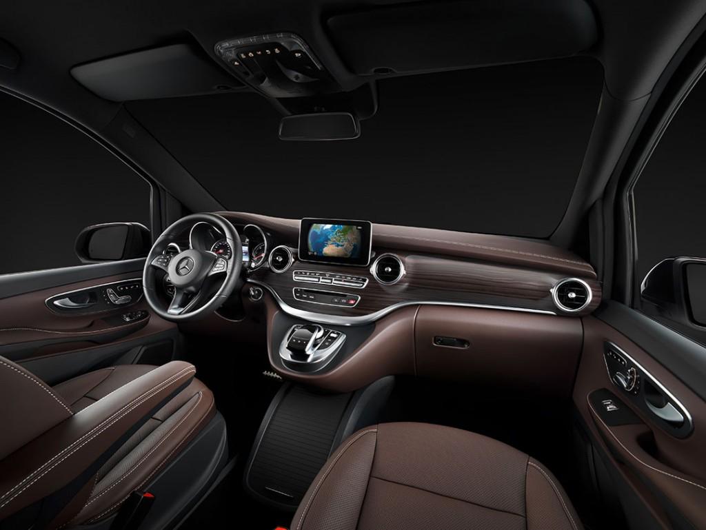2014-Mercedes-Benz-V-Klasse-Interior-01