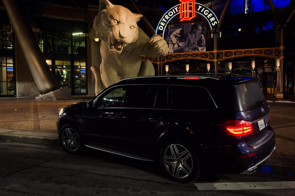2014-mbrt14-Mercedes-Benz-GL-63-AMG-Detroit-lowlight-05