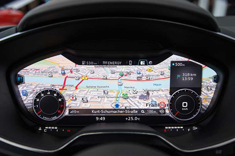 CES-2014-Audi-TT-Interieur-Tacho