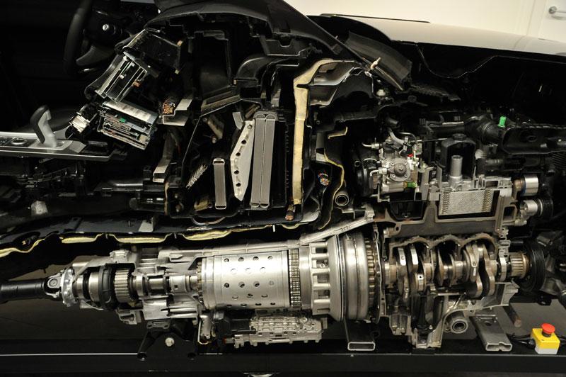 Land-Rover-Neungang-Automatikgetriebe-ZF-Friedrichshafen