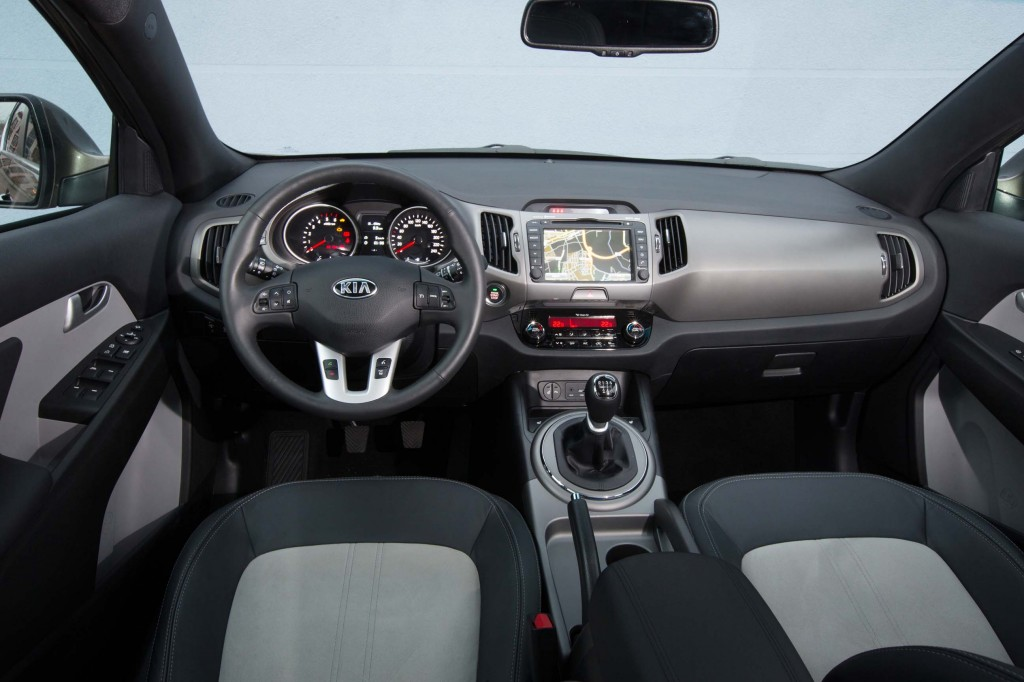 Genf-2014-Kia-Sportage-Facelift-Innenraum