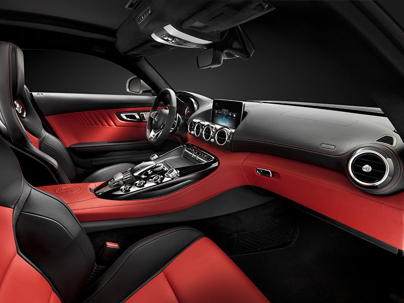 2014-Mercedes-AMG-GT-C190-interieur-rot-01