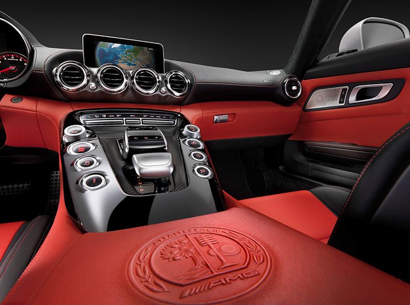 2014-Mercedes-AMG-GT-C190-interieur-rot-02