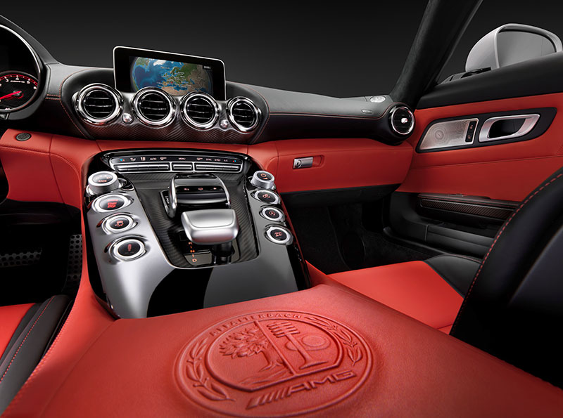 2014-Mercedes-AMG-GT-C190-interieur-rot-02