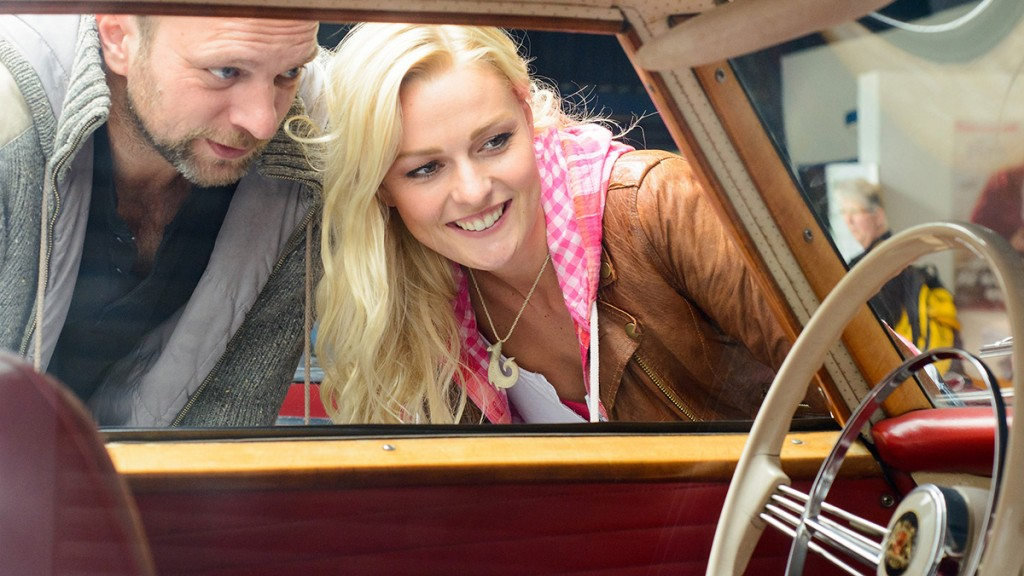 04_D8E_5420_Blick in einen Oldtimer Borgward Isabella Coupe