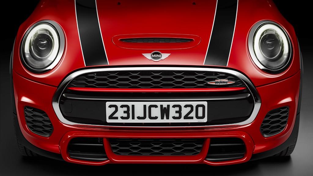 2015-MINI-John-Cooper-Works-rot-schwarz-005