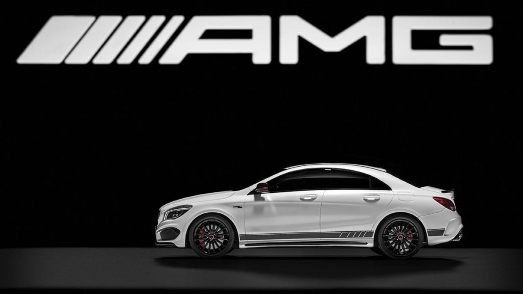 Mercedes-Benz CLA 45 AMG, 1:18, in designo diamantweiß bright,