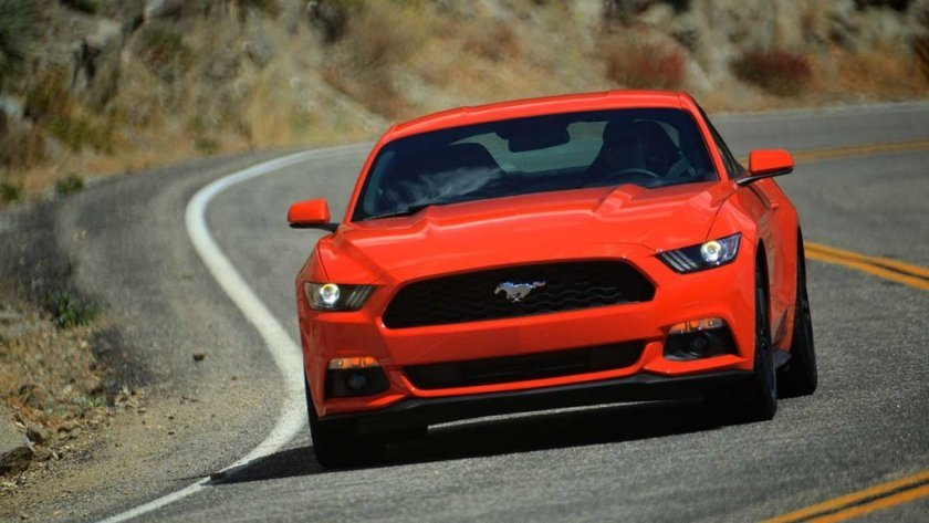 2015-Mustang-EcoBoost-Driving-Angeles-Hwy-Orange-001