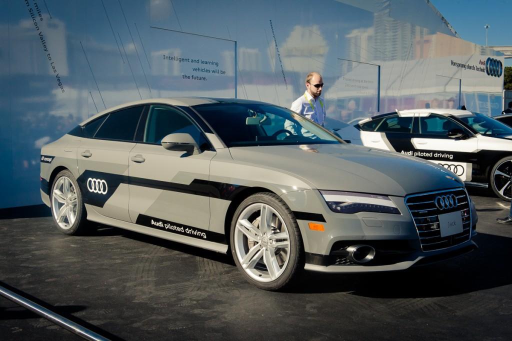 2015-Audi-A7-piloted driving concept-Jack-Las-Vegas-04