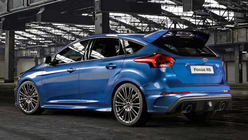 2015-Ford-Focus-RS-blau-back-pressebild