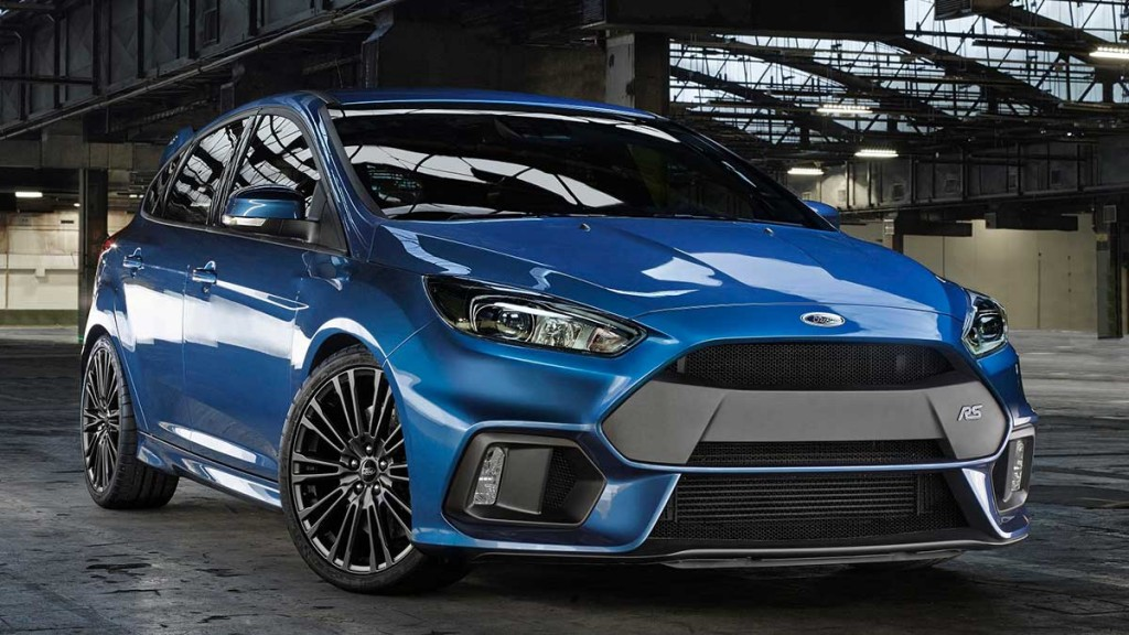 2015-Ford-Focus-RS-blau-front-pressebild