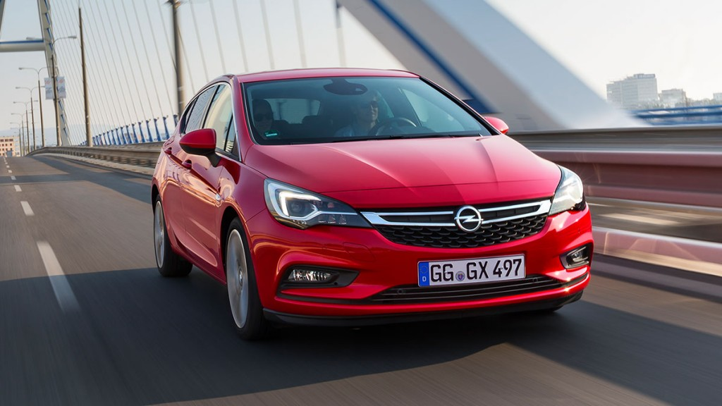 Opel-Astra-rot-euroncap