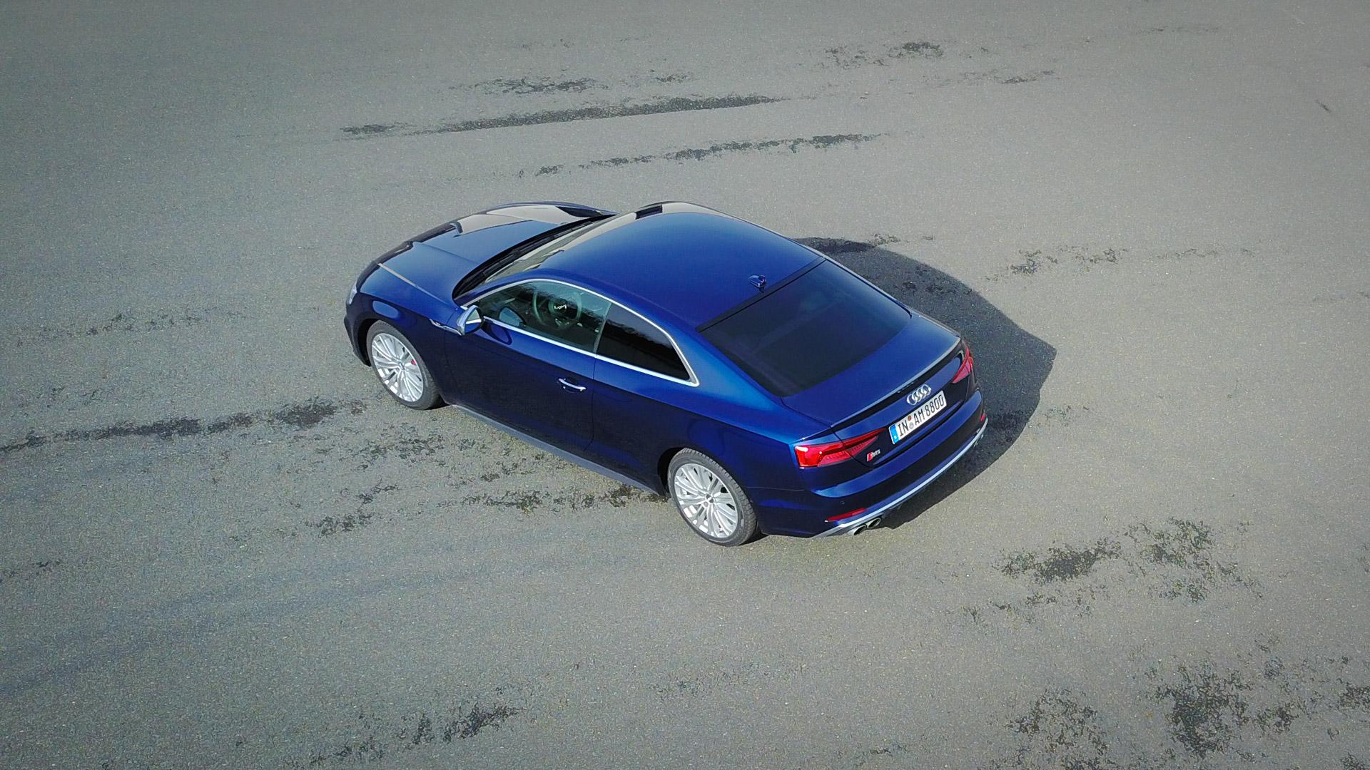 Fotos 2017 Audi A5 Coupé (F5) Navarrablau Metallic ...